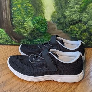 H&M black and White lace Velcro tennis shoes